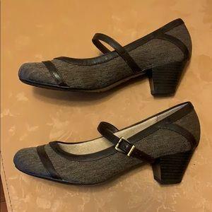 LifeStride Mary Jane Style kitten heels Size 8.5